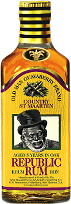 Medium old man guavaberry republic 5 year rum 400px