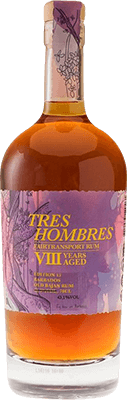 Medium tres hombres old bayan 8 year rum 400px